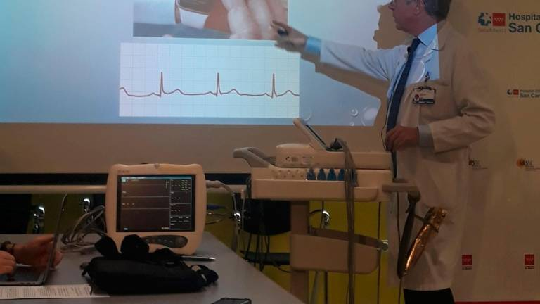 ¿Electrocardiogramas completos y fiables con un 'Apple Watch'? Es posible